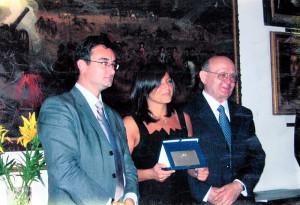 La foto del conferimento del premio nel 2006 in Irlanda