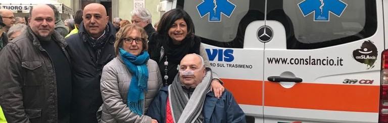 La consegna dell'ambulanza con Andrea Zicchieri e Tina Cascavilla